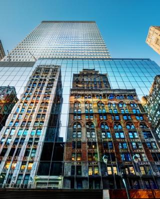 Big City Reflections - Obrázkek zdarma pro Nokia C3-01 Gold Edition