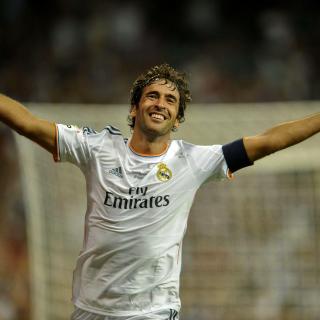 Raul Gonzalez Real Madrid - Obrázkek zdarma pro iPad Air