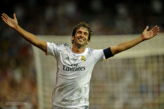 Raul Gonzalez Real Madrid Wallpaper for Android, iPhone and iPad