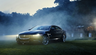 Jaguar Xj Supercharged Background for Android, iPhone and iPad