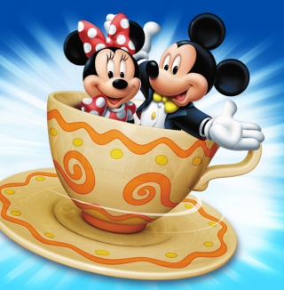 Mickey And Minnie Mouse In Cup - Obrázkek zdarma pro iPad mini