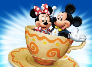 Mickey And Minnie Mouse In Cup - Obrázkek zdarma pro Desktop Netbook 1366x768 HD