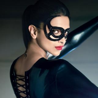 Deepika Padukone in Mask - Obrázkek zdarma pro iPad 2