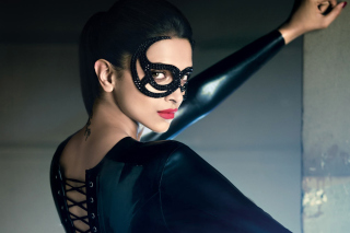 Deepika Padukone in Mask - Obrázkek zdarma pro HTC Wildfire