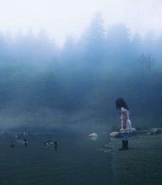 Child Feeding Ducks In Misty Morning - Obrázkek zdarma pro 128x160
