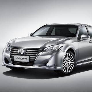 Toyota Crown 2015 - Obrázkek zdarma pro iPad mini