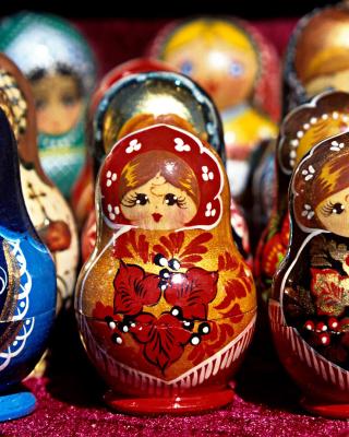 Matryoshka   Russian Dolls - Obrázkek zdarma pro Nokia 5233