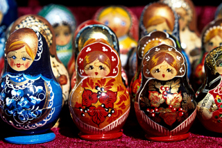 Matryoshka   Russian Dolls - Obrázkek zdarma pro 1366x768