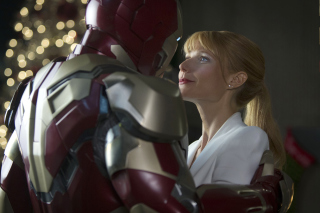 Iron Man And Pepper Potts Picture for Android, iPhone and iPad