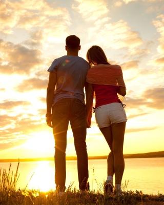 Sunrise Couple - Obrázkek zdarma pro iPhone 4S