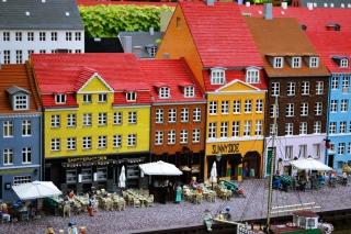 Lego City - Obrázkek zdarma pro 1366x768