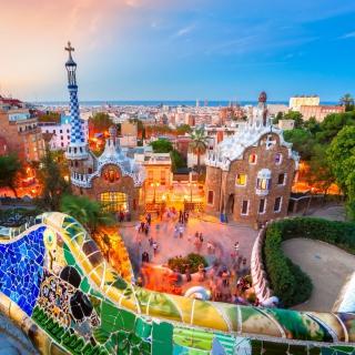 Park Guell in Barcelona - Obrázkek zdarma pro 1024x1024