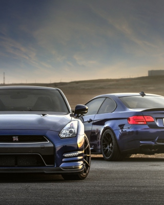 Nissan GTR and BMW M3 E92 - Obrázkek zdarma pro 360x640