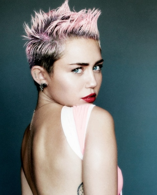 Miley Cyrus For V Magazine - Obrázkek zdarma pro 176x220