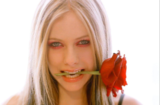 Avril Lavigne - Obrázkek zdarma pro Nokia Asha 200