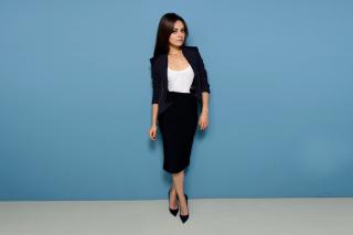 Mila Kunis Sweet Girl - Obrázkek zdarma pro Nokia Asha 210