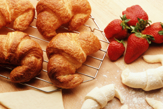Croissants And Strawberries - Obrázkek zdarma pro Widescreen Desktop PC 1280x800
