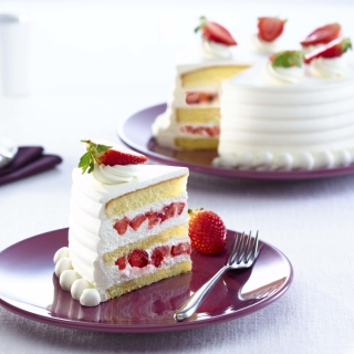 Fresh Strawberry Cake - Obrázkek zdarma pro iPad