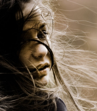 Beautiful Girl With Windy Hair - Obrázkek zdarma pro 480x800