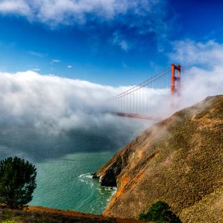 Golden Gate Bridge in Fog - Obrázkek zdarma pro iPad mini 2