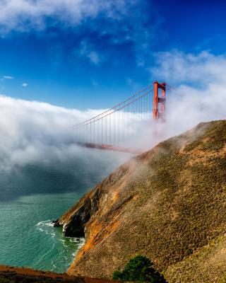 Golden Gate Bridge in Fog - Obrázkek zdarma pro Nokia 300 Asha