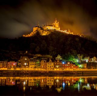 Night Castle - Obrázkek zdarma pro iPad Air