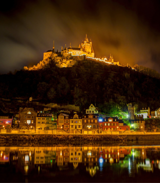 Night Castle - Obrázkek zdarma pro Nokia Asha 306