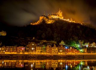 Night Castle - Obrázkek zdarma pro 1600x900