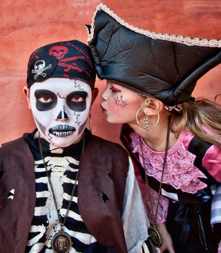Kids In Carnival Costumes - Obrázkek zdarma pro Nokia Lumia 900