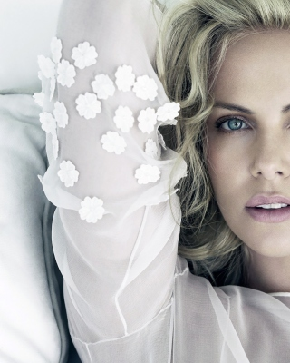 Charlize Theron - Obrázkek zdarma pro Nokia X3-02