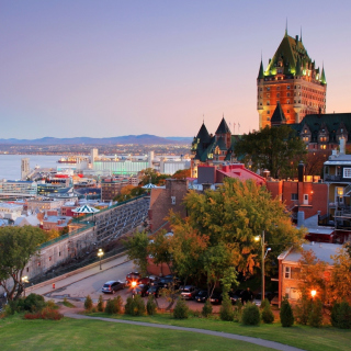 Quebec City and Port - Obrázkek zdarma pro iPad mini 2