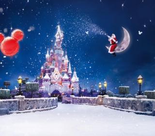 Santa On Moon - Obrázkek zdarma pro iPad 2