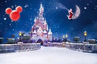Santa On Moon - Obrázkek zdarma pro 176x144