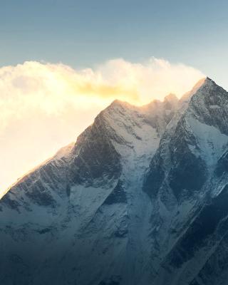 Everest in Nepal - Obrázkek zdarma pro 176x220