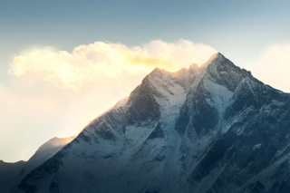 Free Everest in Nepal Picture for Android, iPhone and iPad