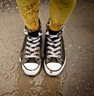 Sneakers And Rain - Obrázkek zdarma pro 128x128