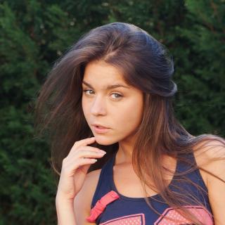 Natalia Russian Girl - Obrázkek zdarma pro iPad mini 2