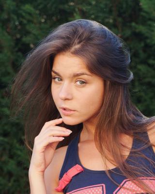 Natalia Russian Girl - Obrázkek zdarma pro Nokia C5-05