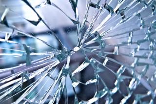 Broken Glass - Fondos de pantalla gratis para Nokia Asha 201