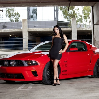 Ford Mustang GT Vortech with Brunette Girl - Obrázkek zdarma pro iPad