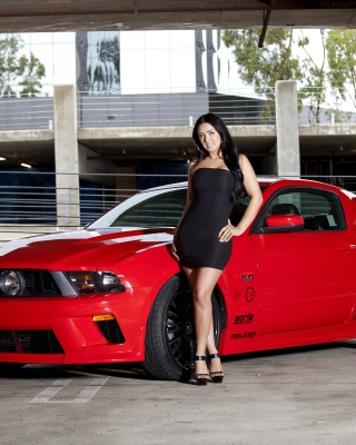 Ford Mustang GT Vortech with Brunette Girl - Obrázkek zdarma pro iPhone 3G