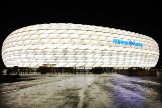 Allianz Arena is stadium in Munich - Obrázkek zdarma pro Widescreen Desktop PC 1280x800