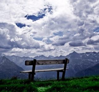 Bench On Top Of Mountain - Obrázkek zdarma pro 1024x1024