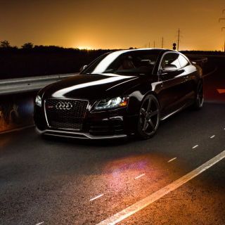 Audi RS5 - Obrázkek zdarma pro iPad