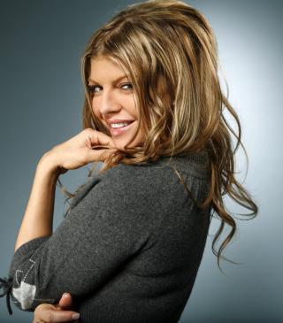 Fergie - Obrázkek zdarma pro Nokia C3-01 Gold Edition