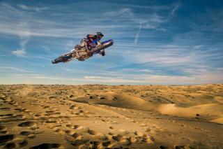 Motocross in Desert - Obrázkek zdarma pro HTC Desire HD