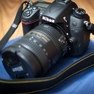Nikon D7000 - Obrázkek zdarma pro iPad mini
