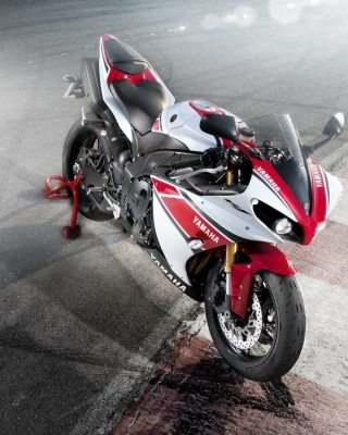 Yamaha R1 - Obrázkek zdarma pro 360x480