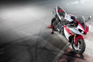 Yamaha R1 - Obrázkek zdarma pro Fullscreen Desktop 1600x1200