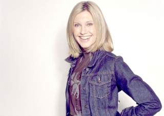 Olivia Newton John Picture for Android, iPhone and iPad
